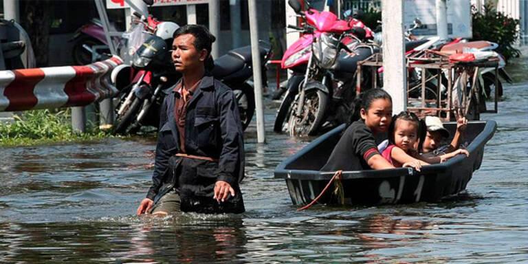 Hochwasser in Bangkok: Einwohner flüchten
