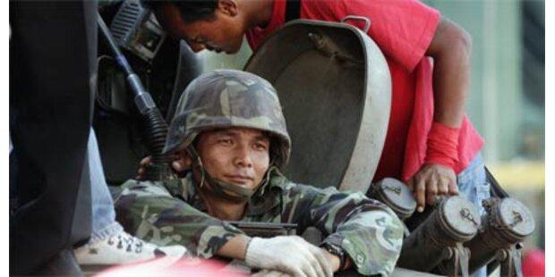 Militär übernimmt Kontrolle in Bangkok
