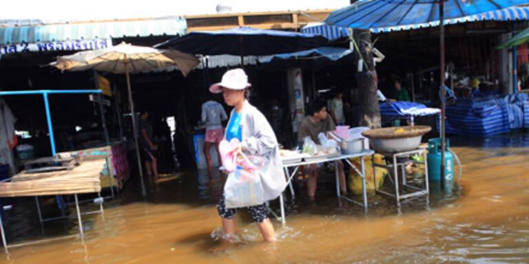 Bangkok: Hochwasser rückt weiter vor
