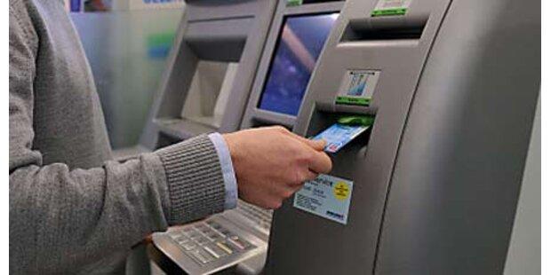 Defekter Bankomat verschenkte Geld