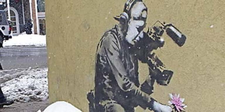 Stadtreinigung schrubbt Kunstwerk weg