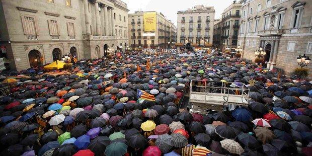 Katalonien: Demos für Referendum