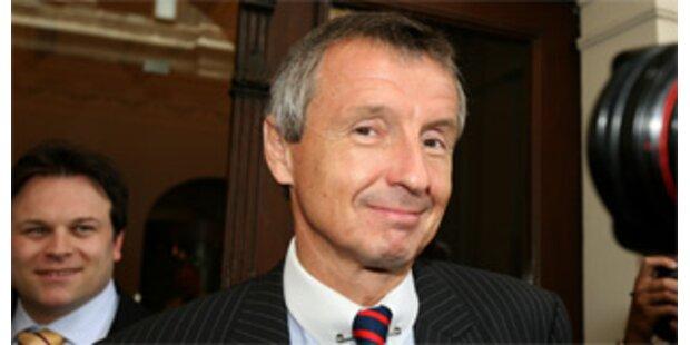 Bartenstein will Konjunkturmaßnahmen vorbereiten