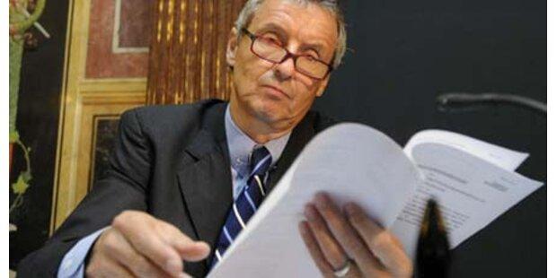 Staatsanwälte am heißen Stuhl