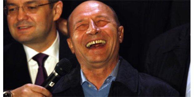 Basescu bleibt Präsident mit 50,37 %