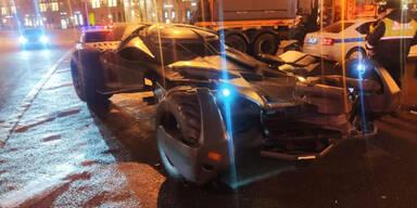"""Polizei stoppte """"Batmobil"""" auf Stadtautobahn"""