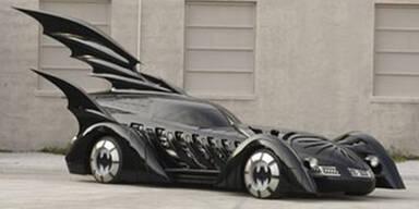 Auch ein Batmobil muss mal in die Werkstatt