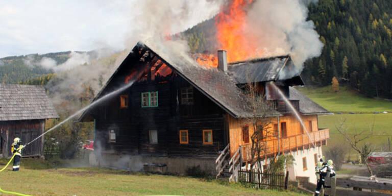 Bauernhaus bei Brand schwer beschädigt