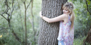 Wie Bäume umarmen vor Krebs schützt