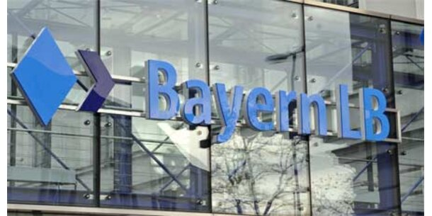 BayernLB wird so gut wie halbiert