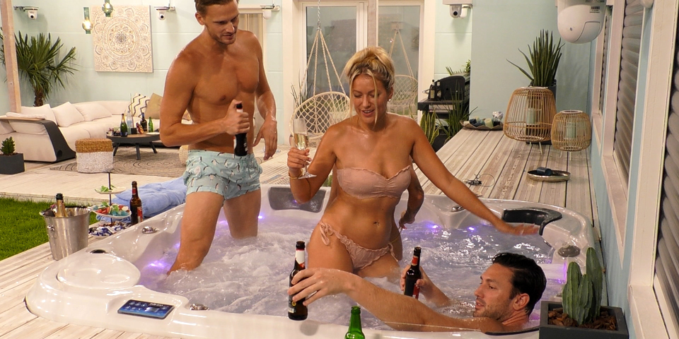 Big brother sex im pool