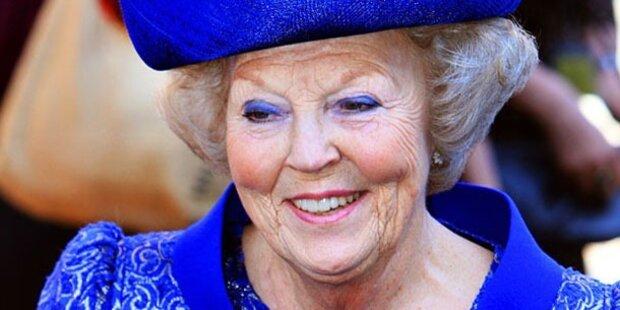 10.15 h: Abdankung Beatrix