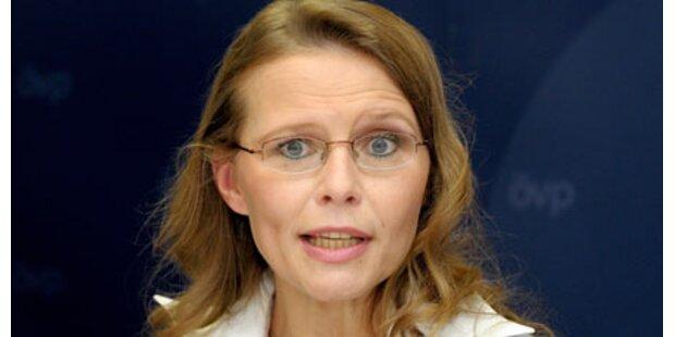 Beatrix Karl will wieder Studiengebühren