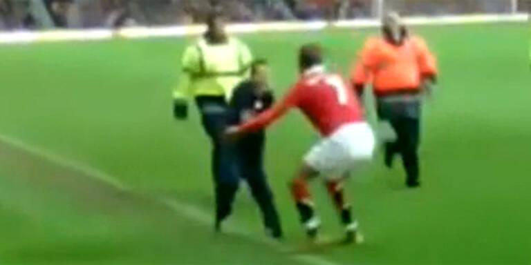 VIDEO: Beckham fängt Flitzer ein
