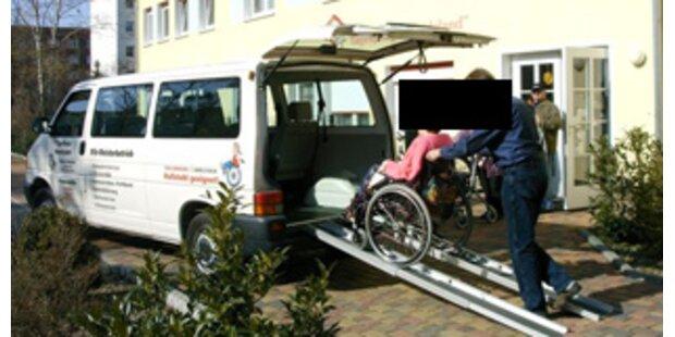 Kinderschänder lenkte betrunken einen Schulbus