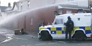 Ausschreitungen in Belfast dauern an