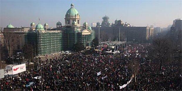 Riesen-Demo gegen Regierung