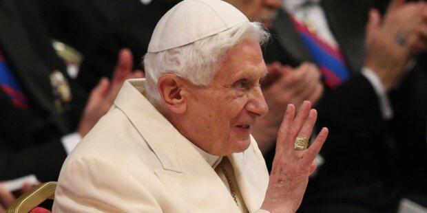 Sorge um Ex-Papst Benedikt XVI.