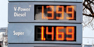 Benzin vor den Ferien über 1,50 €