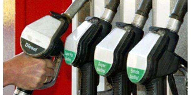 Benzinpreis nur noch knapp unter Rekord