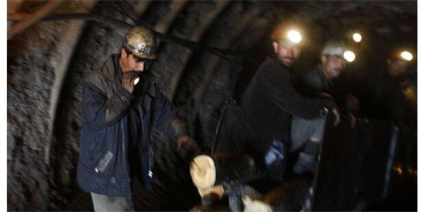 84 Bergleute nach Explosion vermisst