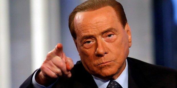 Berlusconi gestürzt - in Spital eingeliefert