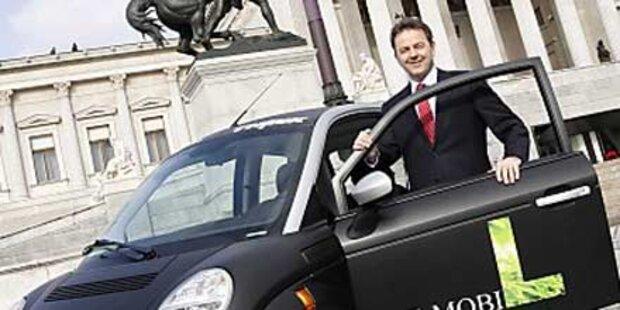 Berlakovich legt sich Elektroauto zu