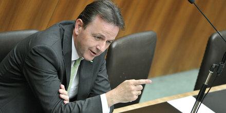Regierung: 6 Millionen Euro für Berater