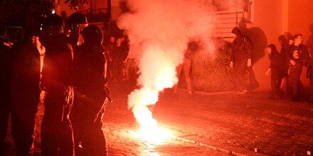 Straßenschlacht bei linker Demo