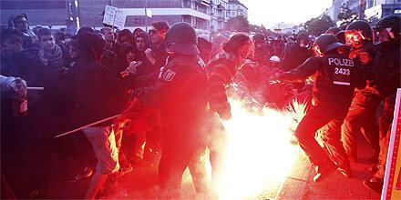 Schwere Krawalle bei Demo in Berlin