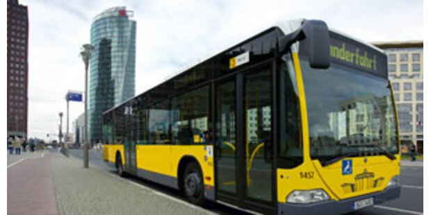 Elfjähriger aus deutschem Bus geworfen