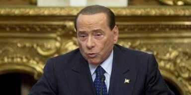 Berlusconi kündigt Comeback an