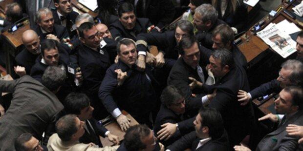Schlägerei für Berlusconi
