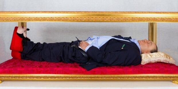Aufregung um Berlusconi im Sarg