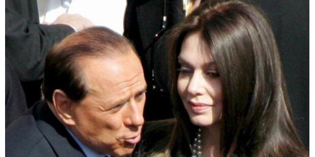 Berlusconis Frau punktet im Rosenkrieg