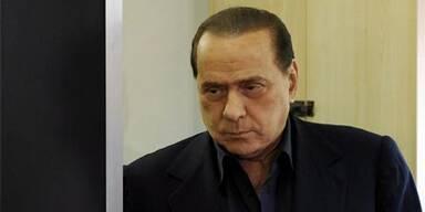 Berlusconi sieht sich als Komplott-Opfer