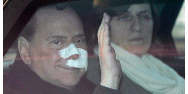 Zahnloser Berlusconi muss leise sprechen