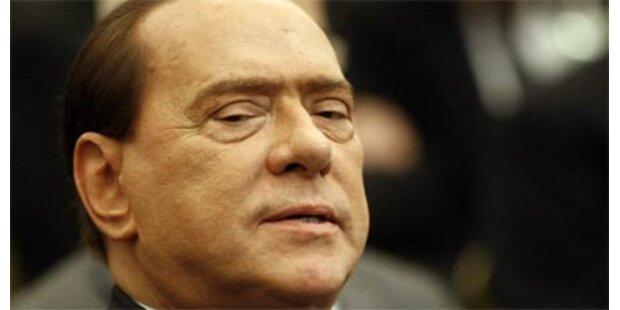 Berlusconi will weniger Pornos im TV