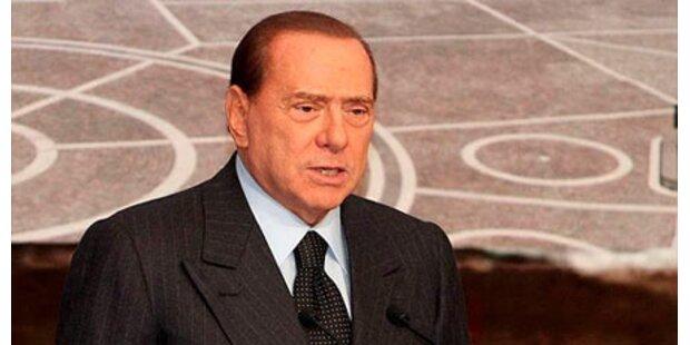 Irrer mit Messern vor Berlusconi-Haus