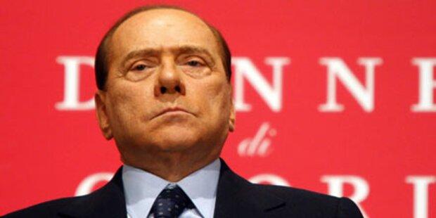 Aufruhr bei Berlusconis Pressekonferenz