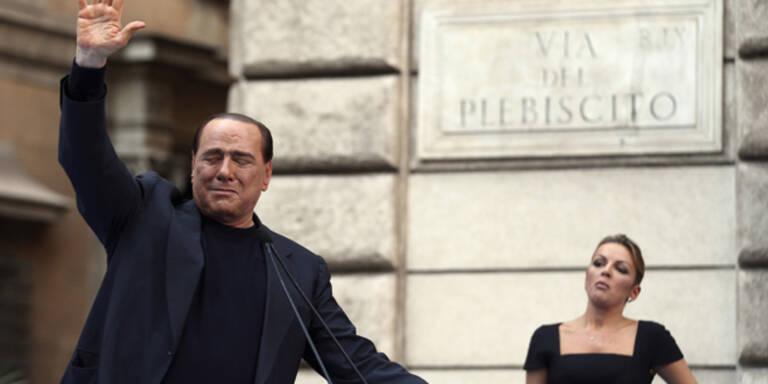 Berlusconi hat sein Showgirl geheiratet