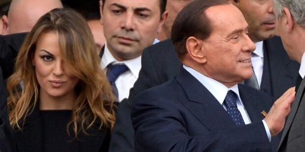 Berlusconis Freundin will zum Papst