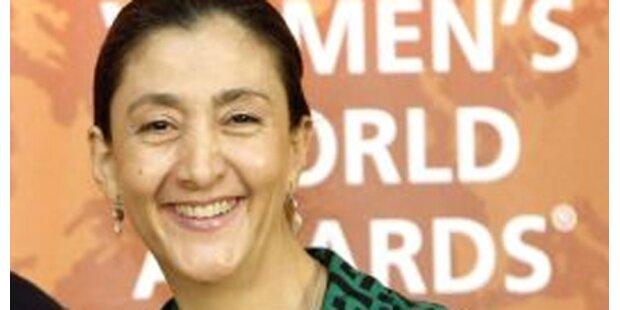 Ex-Geisel Betancourt will Scheidung