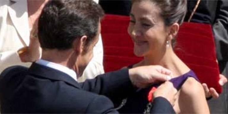 Sarkozy überreicht Betancourt Ehrenorden