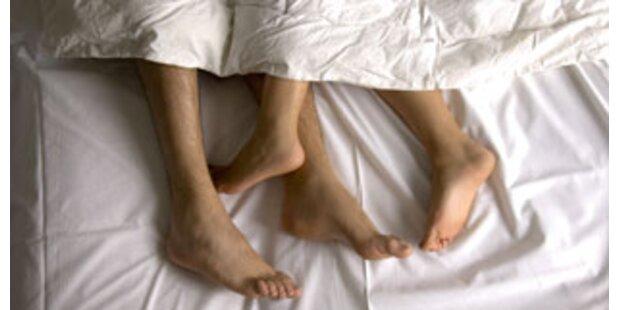 Herzinfarkt beim Sex: Dicker Mann ertränkt Frau