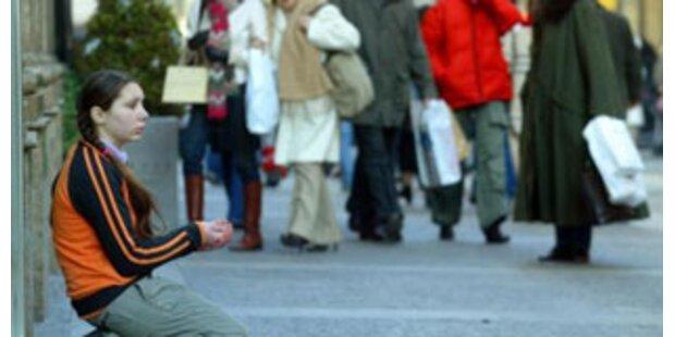 Russische Millonäre leben einen Tag als Bettler