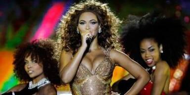 Beyoncé glänzte und ließ Po & Höschen blitzen