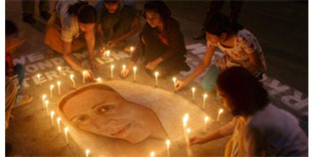 Bhutto im Familienmausoleum beigesetzt
