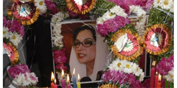 Scotland Yard untersucht Tatort des Bhutto-Mords