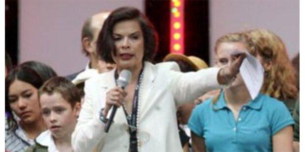 Bianca Jagger kommt zum Opernball